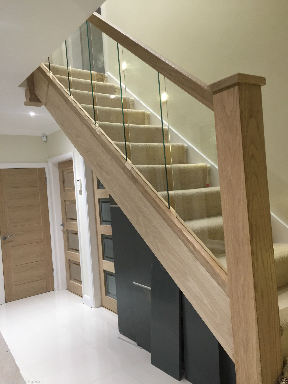 Stairs and Balustarde Railings | Stair Glass - Donegal Glass